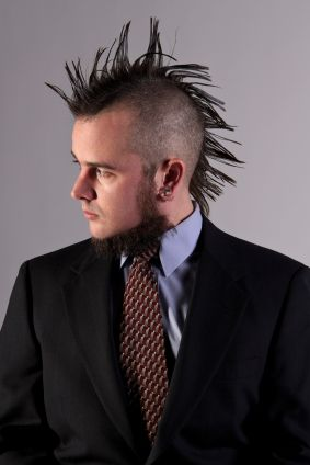 punk con corbata